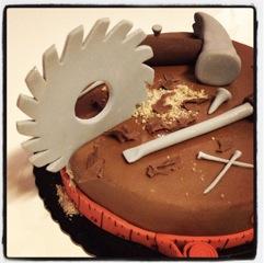 gâteau ébéniste scie