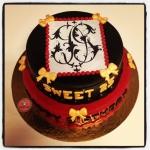 gâteau noir,or,rouge